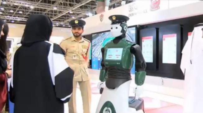 Первый робот-полицейский появится вДубае в2017году