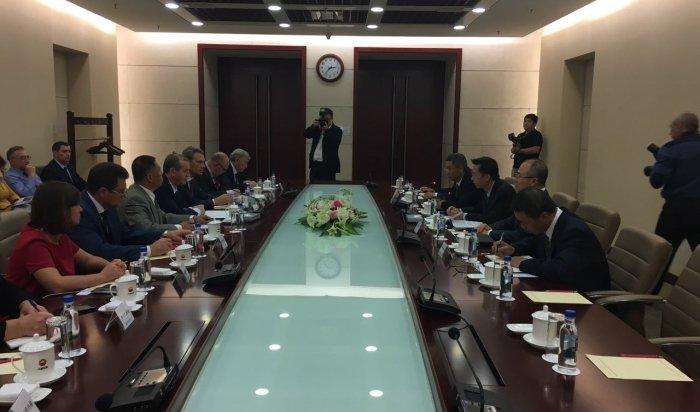 Сергей Левченко обсудил развитие Иркутской области на встрече с бизнесменами в Китае