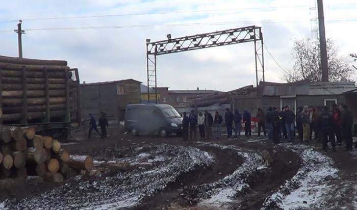 Налесопилке вИркутске задержано 30нелегальных мигрантов