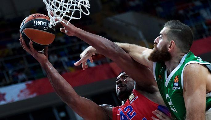 Баскетболисты ЦСКА переиграли УНИКС вматче Евролиги