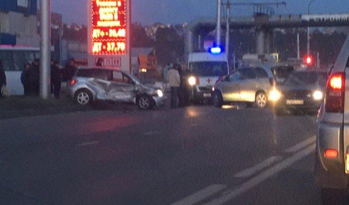 ВИркутске врезультате аварии около ТРЦ «Сильвер Молл» погиб 28-летний водитель