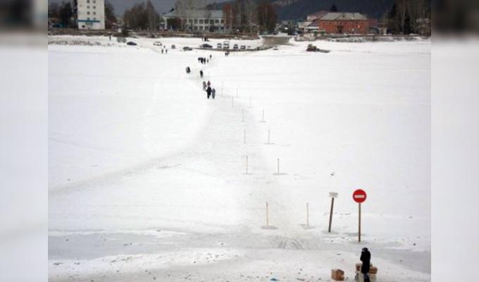 В Приангарье на реке Лене открыли первый пеший ледовый переход