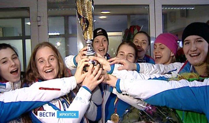 Иркутская хоккейная команда «Рекорд» вернулась домой с Кубком мира