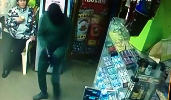 В Вихоревке задержан подозреваемый в нападении на торговый павильон