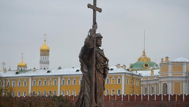 Захарова ответила Порошенко наслова о«гибридном присвоении истории»