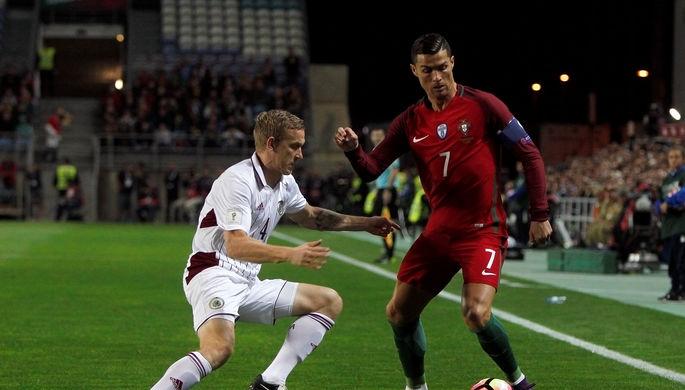 Дубль Роналду принес Португалии победу над Латвией