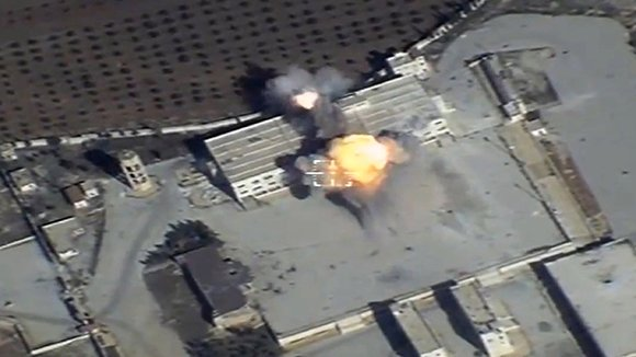 Минобороны опубликовало видео удара Ту-95МС потеррористам вСирии
