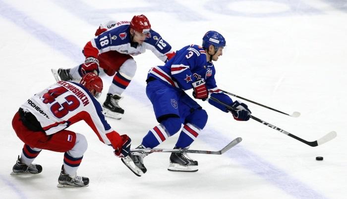 Хоккеисты СКА победили ЦСКА вматче КХЛ