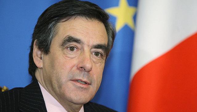 Фийон назвал абсурдной политику Олланда поотношению кРоссии
