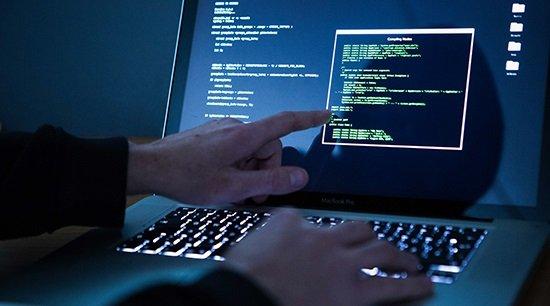 СМИ: ВРоссии хакеры украли убанка 100миллионов рублей