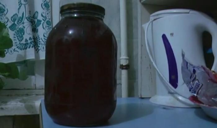 В Усть-Илимске задержаны продавцы мёда, похитившие у пенсионерки 40 тысяч рублей (Видео)