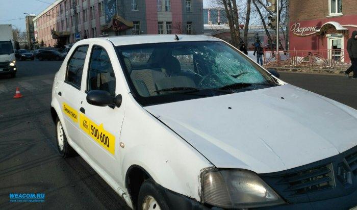 В Иркутске на Советской автомобиль сбил мужчину, переходившего дорогу на зеленый сигнал светофора