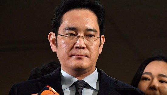 Фактический глава Samsung арестован пообвинению вовзяточничестве