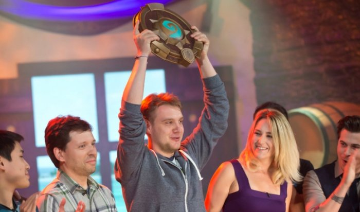 Российский киберспортсмен выиграл зимний турнир поHearthstone