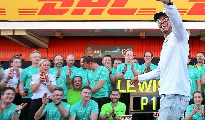 Льюис Хэмилтон выиграл гонку Гран-при Испании «Формулы-1»