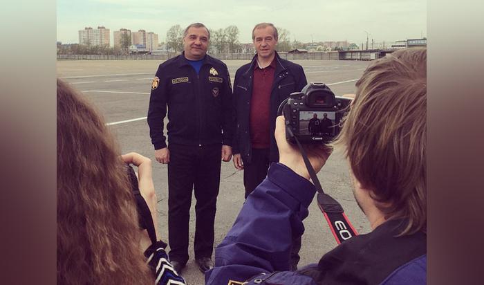 В Иркутск прилетел глава МЧС России Владимир Пучков