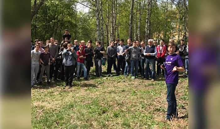 Депутат Владимир Потапов организовал уборку рощи в Академгородке Иркутска