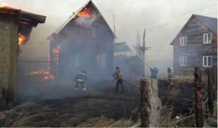 Пожарные ижители спасли отогня поселок Грановщина