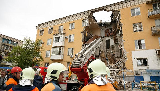 Поврежденный взрывом газа дом вВолгограде полностью снесут