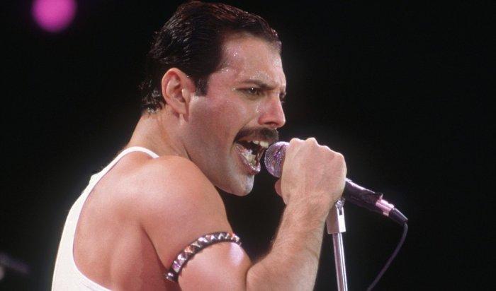 В Иркутске более 400 человек споют песню Freddie Mercury в память об умерших от СПИДа