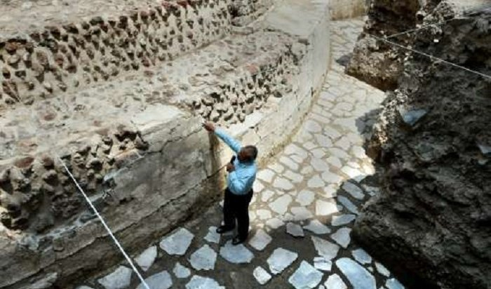 Cтадион состанками игроков, принесенных вжертву, раскопали вМексике