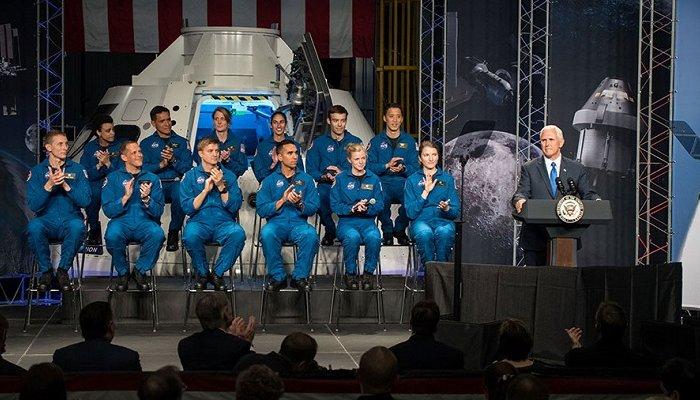 NASA отобрало 12претендентов для полета наМарс иЛуну