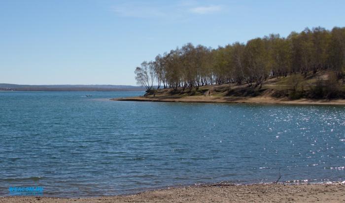 В Иркутске на заливе Якоби обустроят большой надувной аквапарк