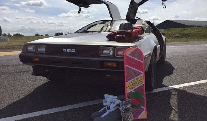 Автомобиль DeLorean изфильма «Назад вбудущее» продают за2,5млн рублей
