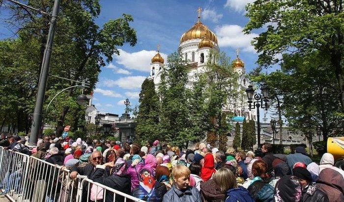 ВМоскве очередь кмощам Николая Чудотворца растянулась на2,5км