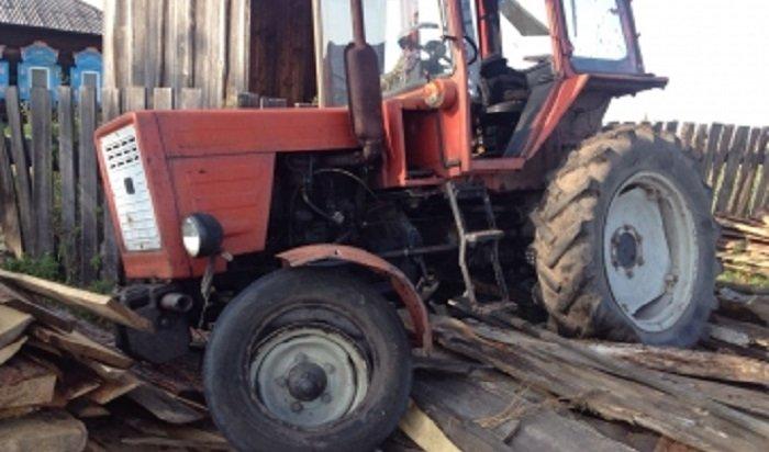 В Аларском районе инспекторы ГИБДД применили оружие для остановки пьяного водителя трактора (Видео)