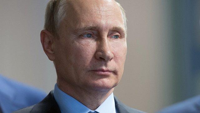 Владимир Путин поручил разобраться в случаях отказов жителям Крыма в гражданстве РФ