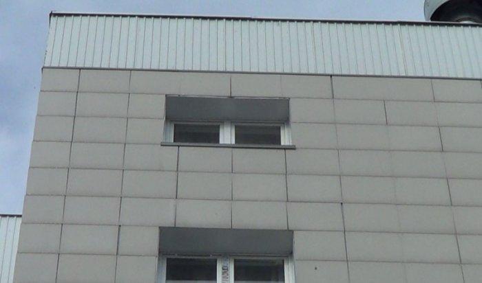 В Ново-Ленино неравнодушные жители спасли девочку, едва не упавшую с 9 этажа