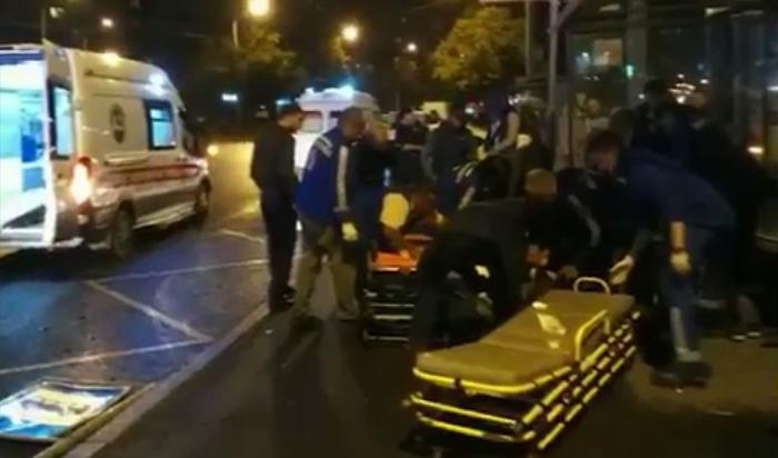 В Петербурге автомобиль протаранил остановку с людьми