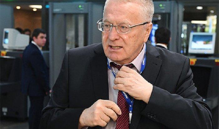 Владимир Жириновский подал всуд из-за синтетики всоставе рубашки