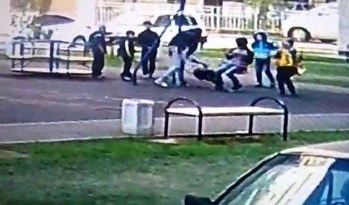 В Краснодаре мужчина избил двух мальчиков за то, что те обидели его сына