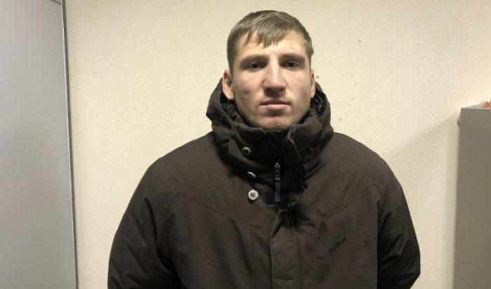 В Иркутске задержан мужчина, укравший ноутбук из салона авто на улице Сухэ-Батора