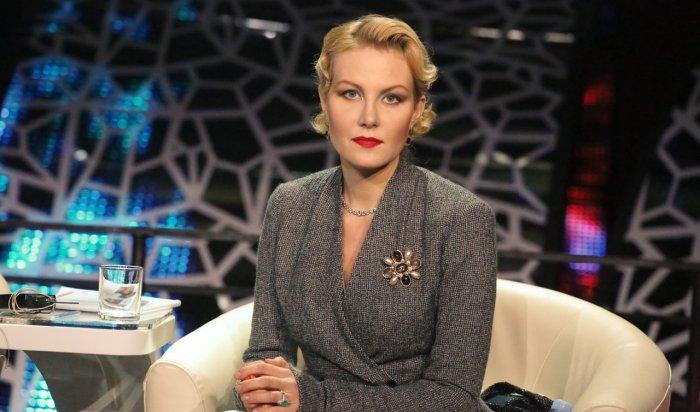 Литвинова пообещала наказать СМИ заслухи освоей свадьбе сЗемфирой