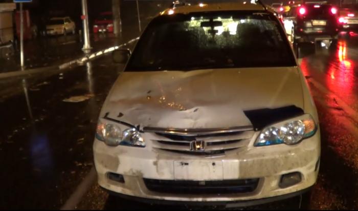 В Иркутске пьяный водитель Honda Odyssey сбил на пешеходном переходе женщину и ребенка (Видео)