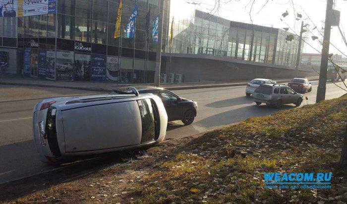 ВИркутске наулице Академической столкнулись Toyota иChevrolet