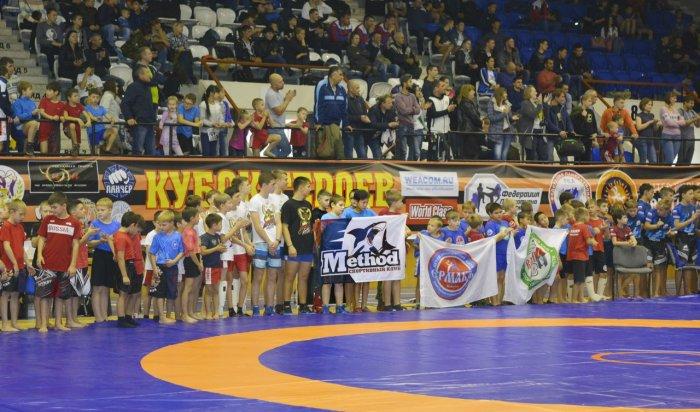 В Иркутске прошел ежегодный турнир по панкратиону «Кубок героев»