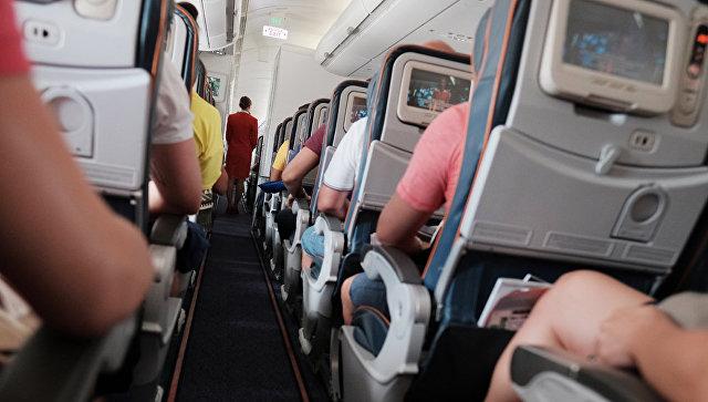 Пассажиры рейса Москва—Нью-Йорк связали устроившего драку дебошира