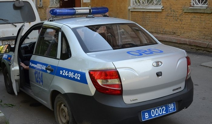 ВИркутске 24-летняя пассажирка угнала автомобиль такси, отказавшись платить запроезд