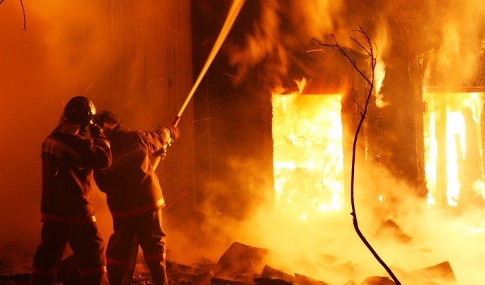 В Красноярске на пожаре погибли два человека
