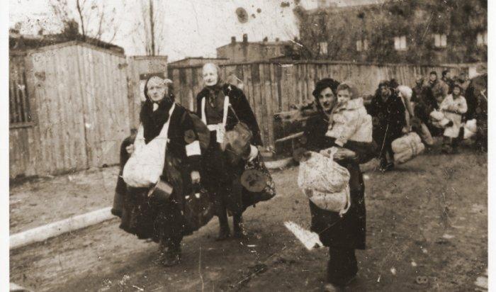Порошенко выдал евреев сфото времён холокоста заукраинцев