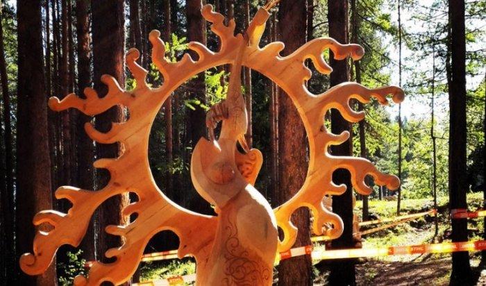 Фестиваль деревянной скульптуры «Лукоморье» победил во всероссийском конкурсе событийного туризма