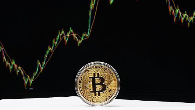 Курс биткоина обновил рекорд и превысил 7,8 тысячи долларов