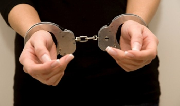 ВИркутске 37-летняя пьяная женщина зарезала 26-летнего сожителя