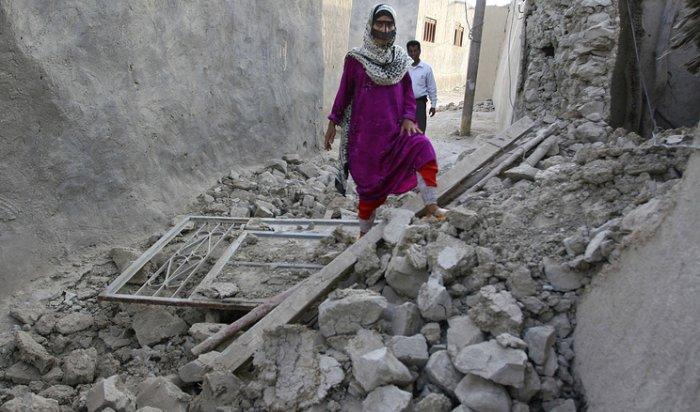 При землетрясении в Иране 100 человек погибли и 1000 пострадали