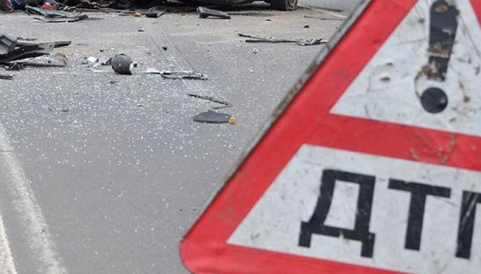 Полицейские разыскивают очевидцев смертельногоДТП вШелеховском районе