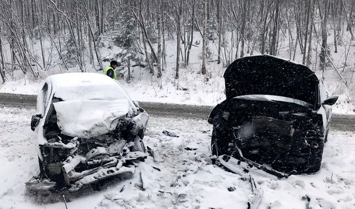 Троих пострадавших в ДТП в Слюдянском районе доставили на вертолете в Иркутск